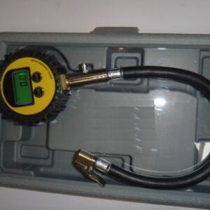 Tryckluftmätare däck Digital med clip-on-anslutning # 67-STL-12930