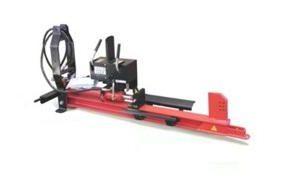Vedklyv för tillkoppling till traktor samt kardandrift