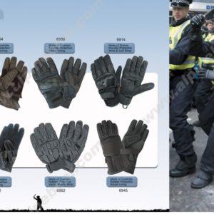 handske polis modell  kravall #159-6954